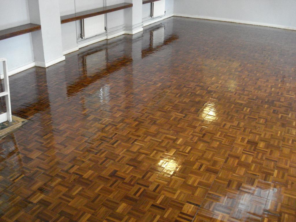 Commercial hardwood floor sanders gurus floor for Commercial wood flooring